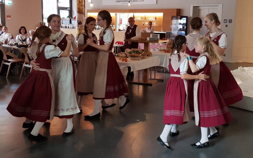 Kindernachmittag Folkloretanz